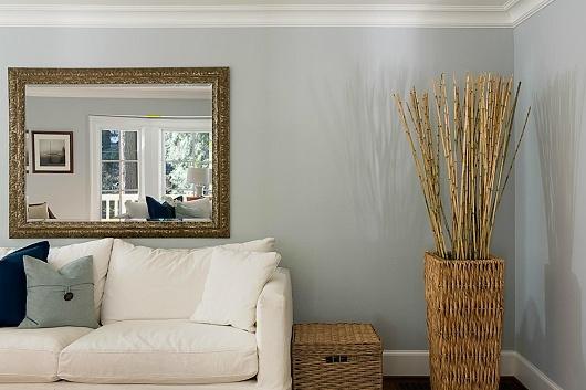 zrcadlo v malém bytě