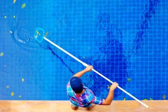 Jak si usnadnit čištění bazénu?