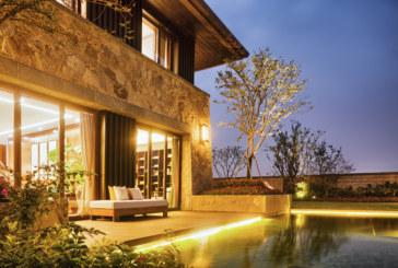 Máte už dost přeplněných koupališť? Pořiďte si bazén na vlastní zahradu!